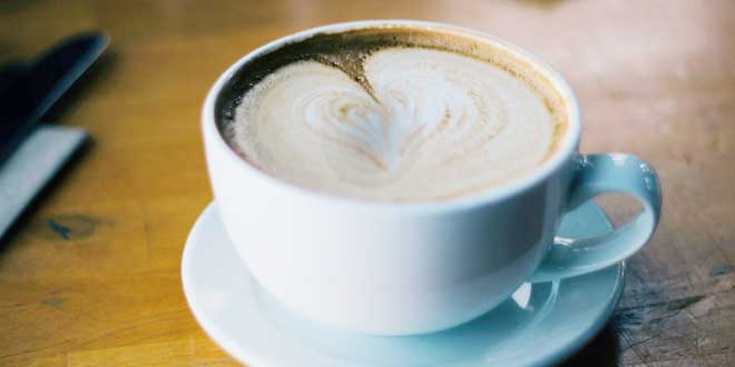 दिन में दो से चार कप कॉफी पीने से फैट को दोबारा इकट्ठा होने से रोकने में मदद मिलती है