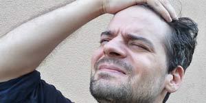 यहां हम आपको माइग्रेन को दर्द को दूर करने और उससे बचे रहने के कुछ घरेलू तरीके बता रहे हैं।
